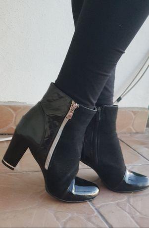 Czarne botki na obcasie, rozmiar 39, na suwak, eleganckie