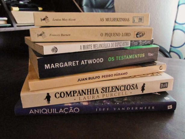 Companhia silenciosa, Pedro Páramo e mais livros