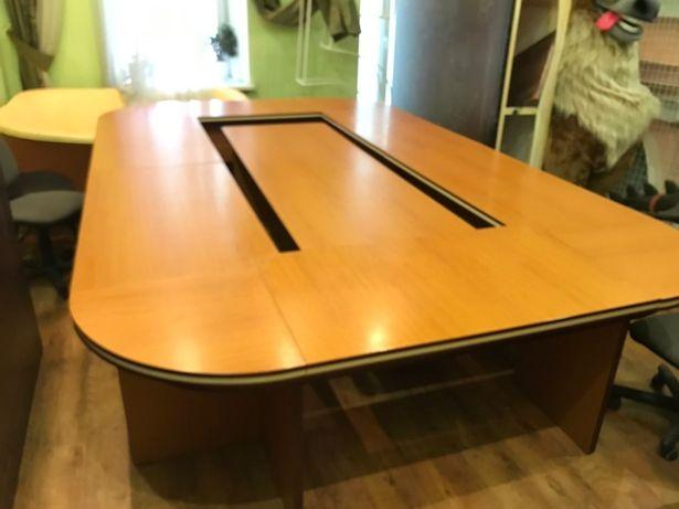 Стіл для нарад (офісний стіл)