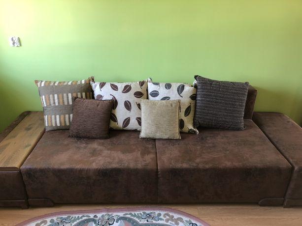 Kanapa brązowa z funkcją spania i poduszkami