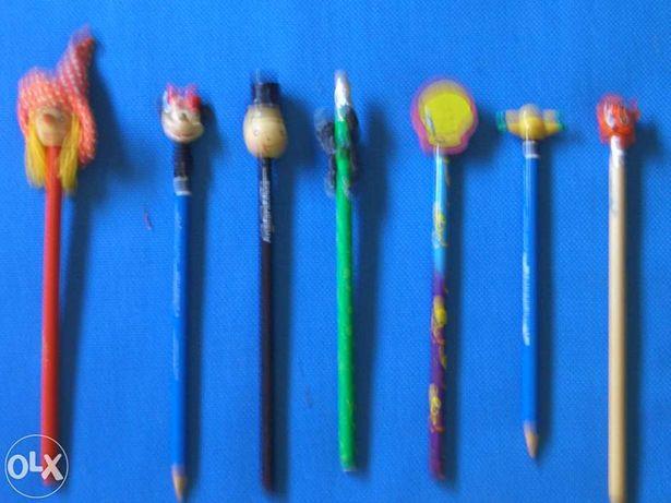 Conjunto 7 lápis novos com bonequinhos diferentes
