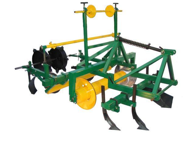 Maszyna do rozkładania folii,agrowókniny,truskawki
