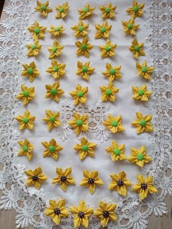 Kwiatki z bawełny