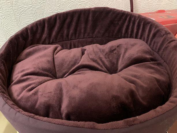 Продам кроватку- лежанку для котика, собачки
