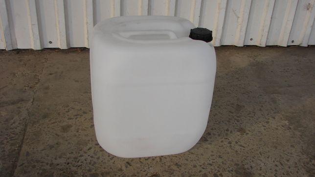 Продам пластиковые канистры на 30 литров