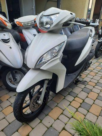 Honda Dio 110...