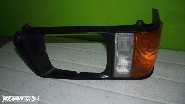 PEÇAS AUTO - Mitsubishi L300 - Farolim Frente Direito - FR454