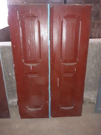 Portada antiga de madeira