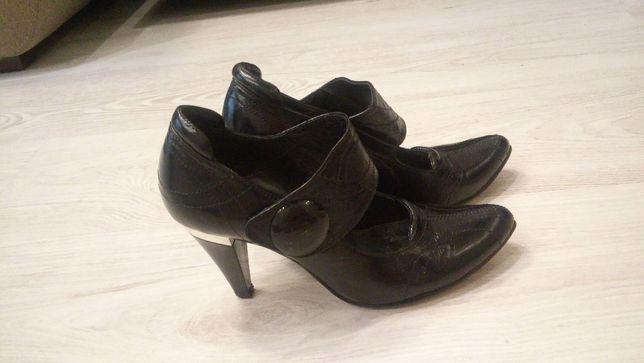 Туфлі мешти жіночі шкіряні
