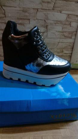 Сникерсы сапоги ботинки кросовки 37р