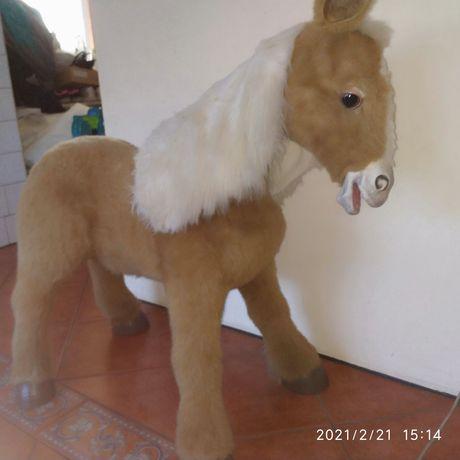 Koń kucyk fur real Hasbro