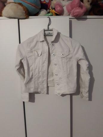 Kurteczka jeansowa biała 122-128cm.