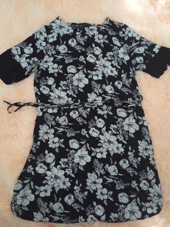 Сукня і сарафани  по 75 грн