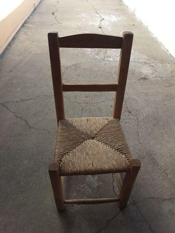 Cadeira de palha antiga