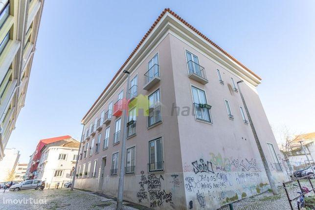 Apartamento T3 com parqueamento no Centro do Barreiro