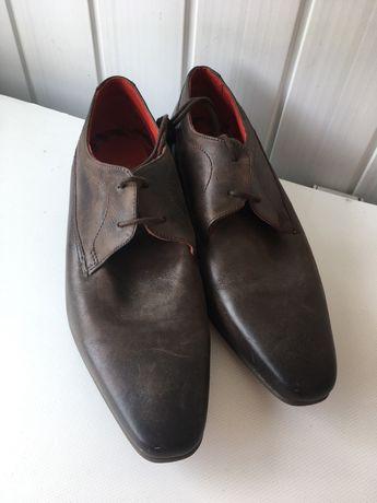 Взуття ,туфлі