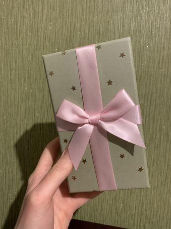 Подарочная коробка. Новогодняя коробка под елку. Шкатулка.
