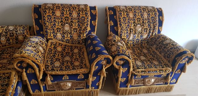 Диван и кресла Versace