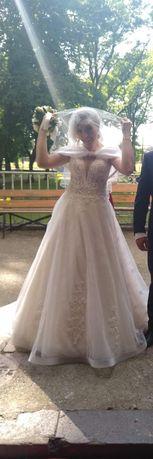 Przepiękna suknia ślubna rozm. 38 - 40