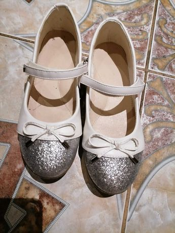 Buty na sprzedaż