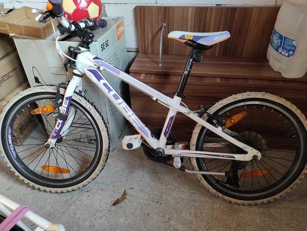 Rower dla dziecka marki Cube 200 race series
