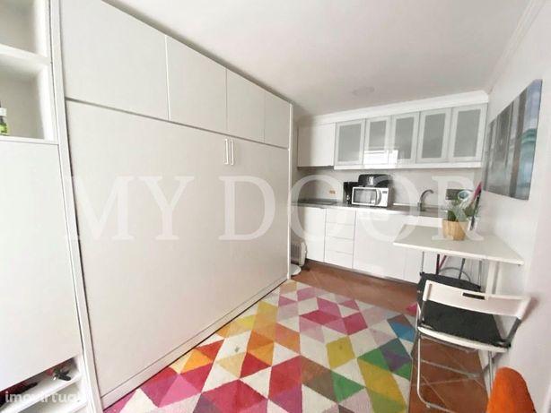 Apartamento T0 - Alfama - Equipado e Mobilado