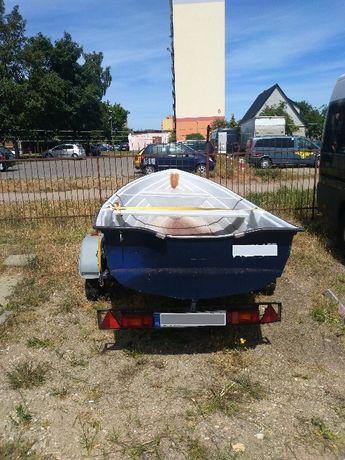 Miejsce postojowe, parking: łódka, przyczepa kempingowa, koparka