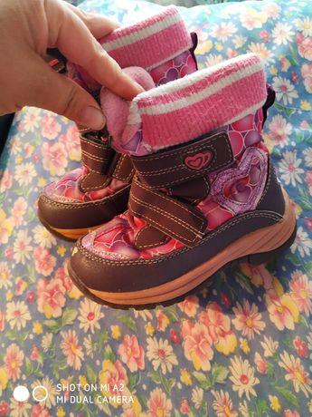 Продам термо ботинки для девочки 17 см стелька