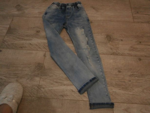 Spodnie Jeansy dopasowane Modne 9-10-11 lat !