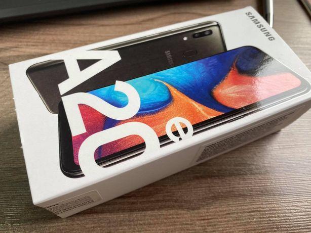 Smartfon SAMSUNG Galaxy A20e Czarny