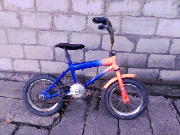 Велосипед колёса на 12