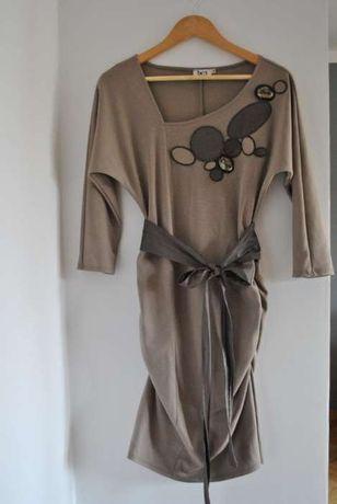 Dzianinowa sukienka z kryształkami
