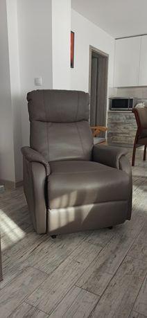 Fotel z funkcją relaks