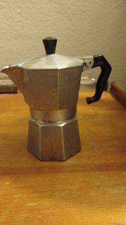 Cafeteira pequena