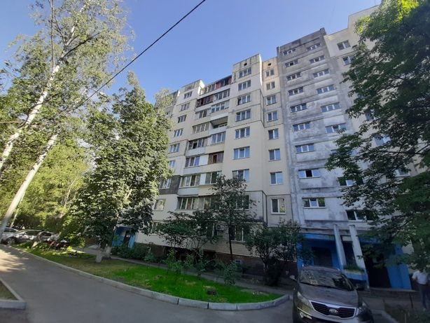 Голосеевский, 2 комнатная квартира рядом с метро и озером
