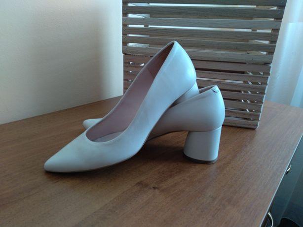 Туфлі шкіряні Bravo Moda