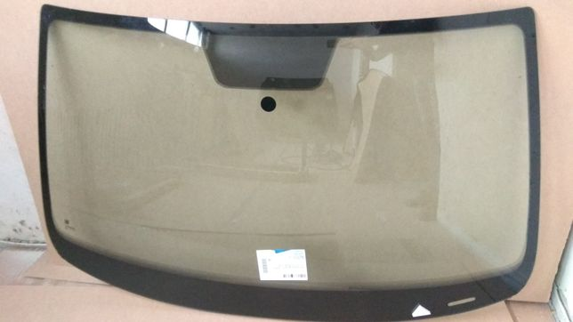 Лобовое стекло VW Jetta (Фольксваген Джетта)