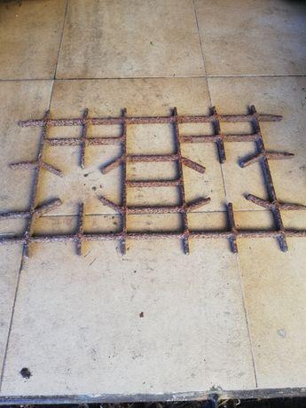 Artigos em ferro fundido antigos.