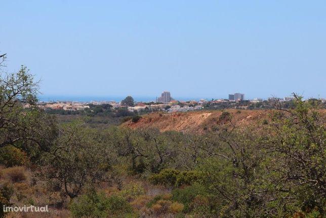 Terreno no Escarpão com mais de 200.000 m2