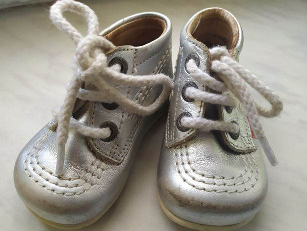 Кожаные осенние детские ботиночки от бренда KicKers, размер 17