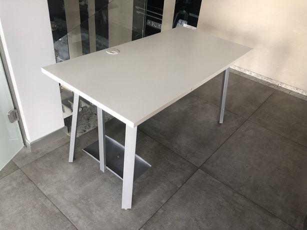 Biurko biurowe białe