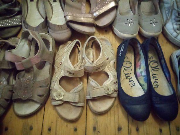 Взуття для дівчинки б/в
