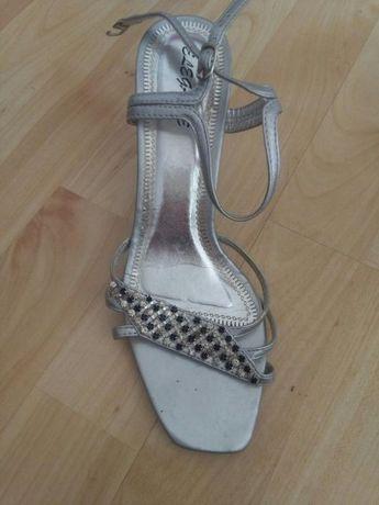 Sandałki na szpilce rozmiar 36