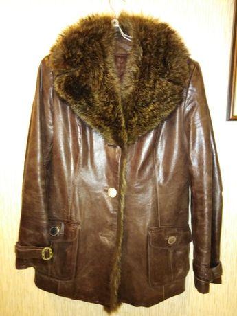 Кожаная куртка с мехом бобра