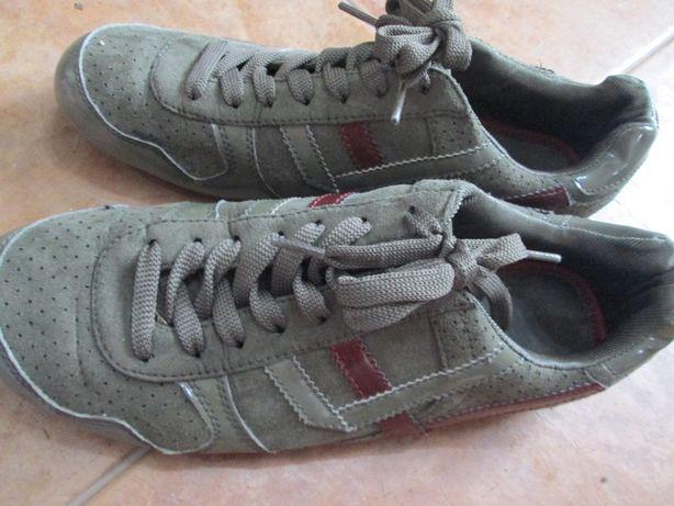 Botas, sapatilhas e chinelos nº 39