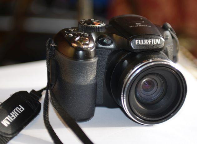Aparat FUJIFILM S1600 FinePix 12 megapixels