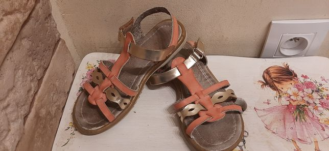 Sandałki skórzane, rzymianki Cool Club 28