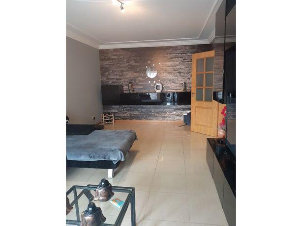 Vende-se T2 ,75 m2 em Camarate(Parque das Oliveiras) com ...