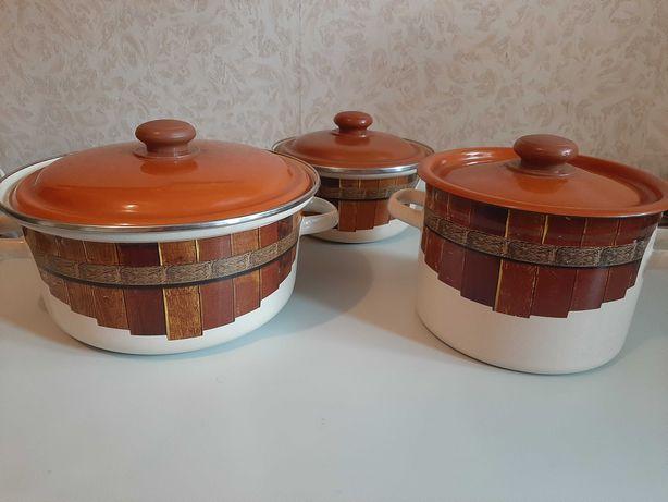 Набор эмалированной посуды кастрюли