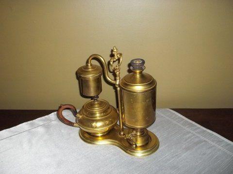 Pierwszy automatyczny ekspres do kawy z 1878 roku.